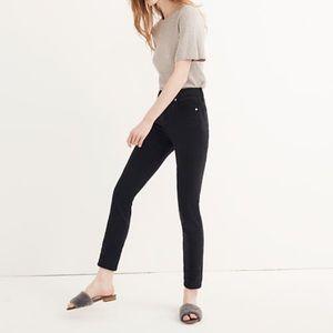 "9"" mid-rise skinny jeans in lunar wash: Tencel"